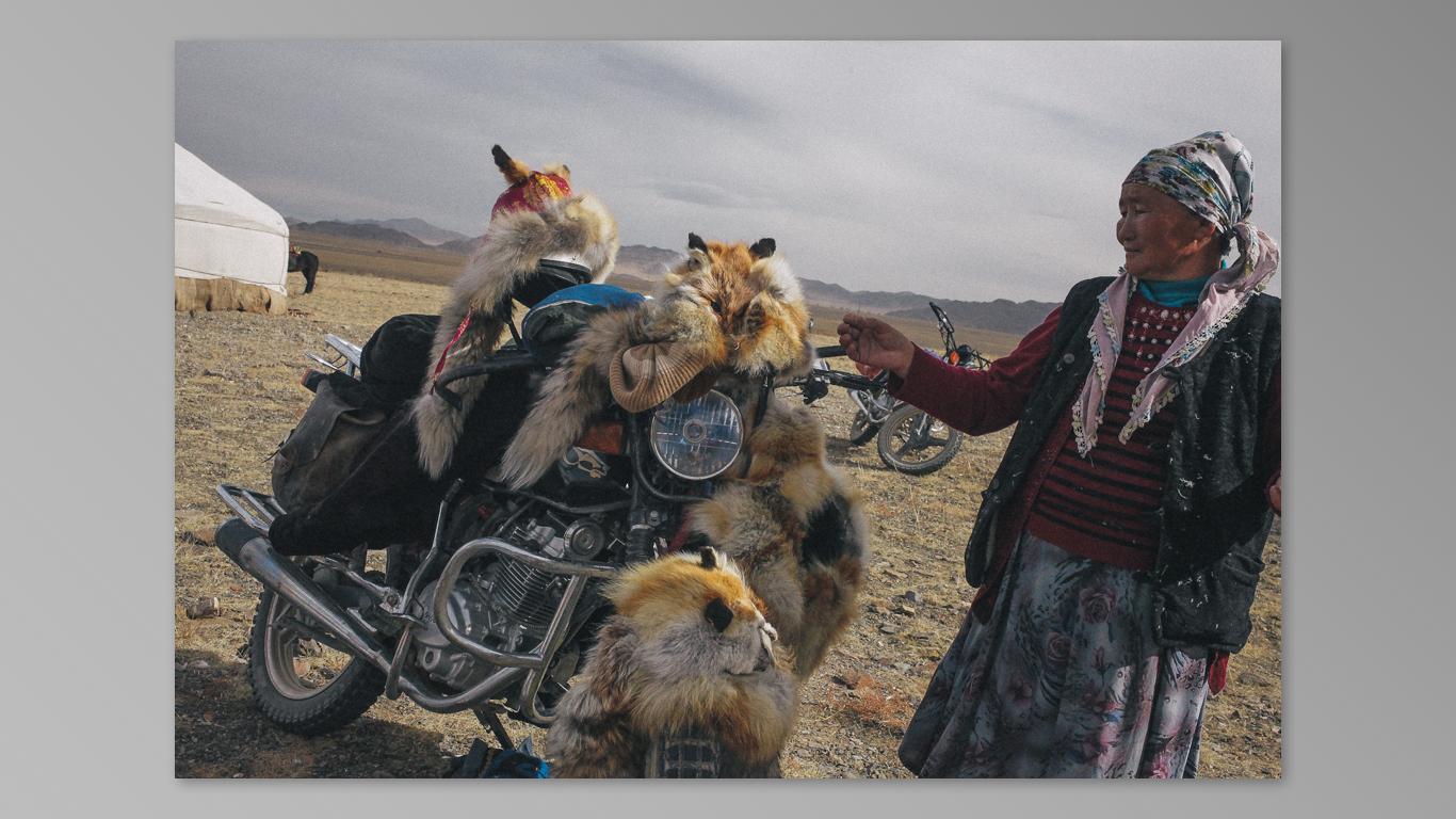 (2014) Mongolia 5 Eagle Festival